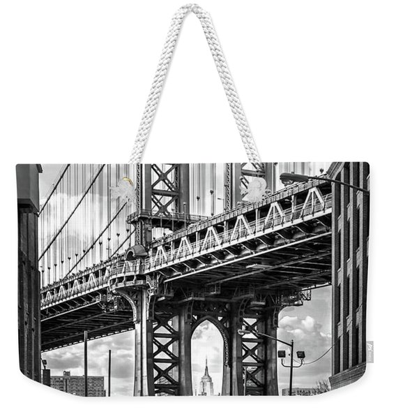 Iconic Manhattan Bw Weekender Tote Bag