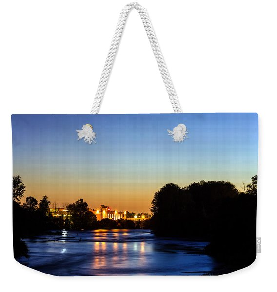 Jupiter And Venus Over The Willamette River In Eugene Oregon Weekender Tote Bag