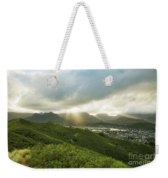 Weekender Tote Bag featuring the photograph Lightrays Over Ko'olau Mountains by Charmian Vistaunet