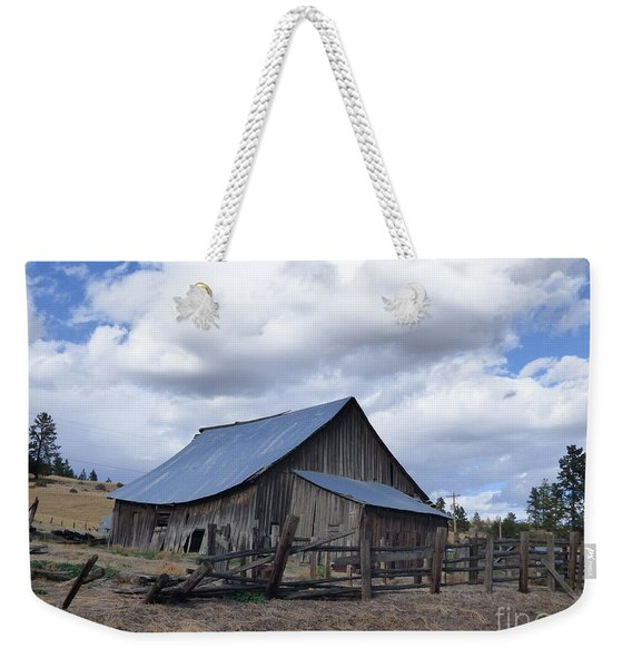 Lincoln County Barn Weekender Tote Bag