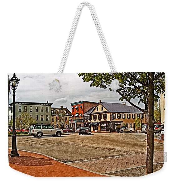 Lincoln Square In Gettysburg Roundabout-pennsylvania Weekender Tote Bag