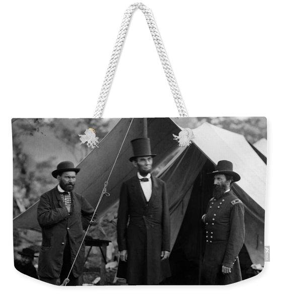 Lincoln With Allan Pinkerton - Battle Of Antietam - 1862 Weekender Tote Bag
