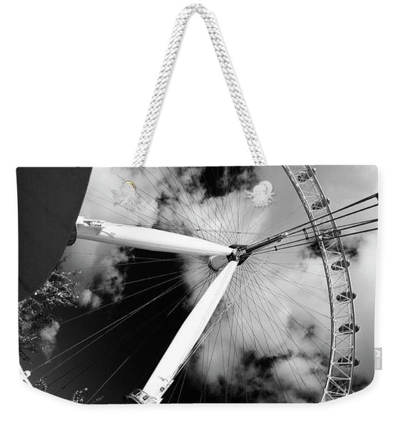 London Ferris Wheel Bw Weekender Tote Bag
