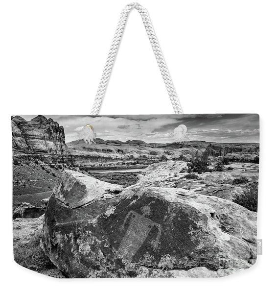 Moab Maiden Petroglyph - Black And White - Utah Weekender Tote Bag