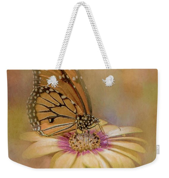 Monarch On A Daisy Mum Weekender Tote Bag