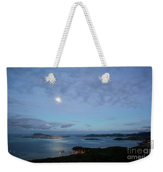 Weekender Tote Bag featuring the photograph Moonrise Over Kaneohe Bay by Charmian Vistaunet