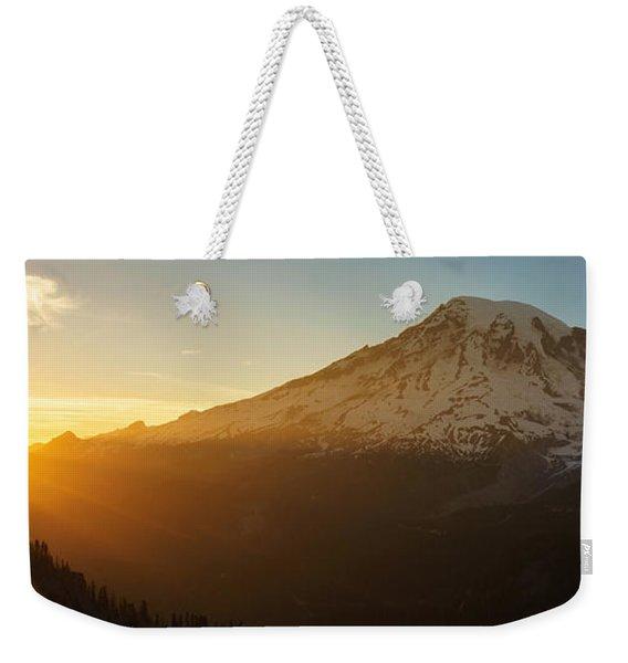 Mount Rainier Evening Light Rays Weekender Tote Bag
