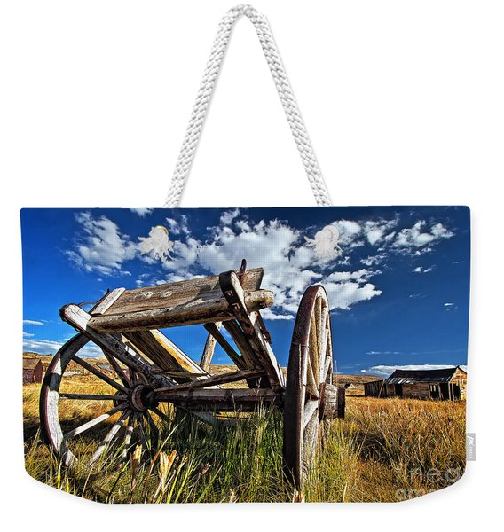 Weekender Tote Bag featuring the photograph Old Abandoned Wagon, Bodie Ghost Town, California by Sam Antonio Photography