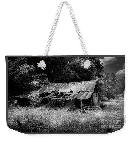 Old Kentucky Barn Weekender Tote Bag