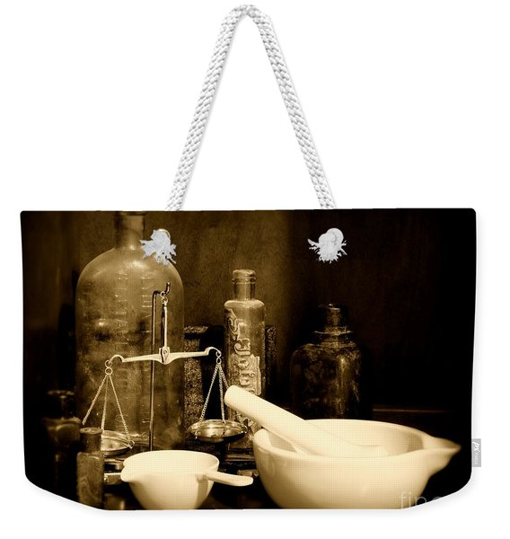 Pharmacy - Mortar And Pestle - Black And White Weekender Tote Bag