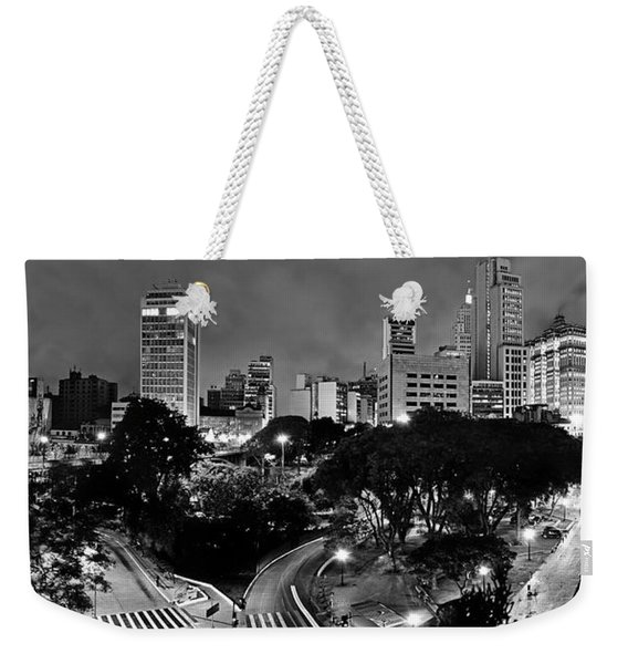 Sao Paulo Downtown At Night In Black And White - Correio Square Weekender Tote Bag