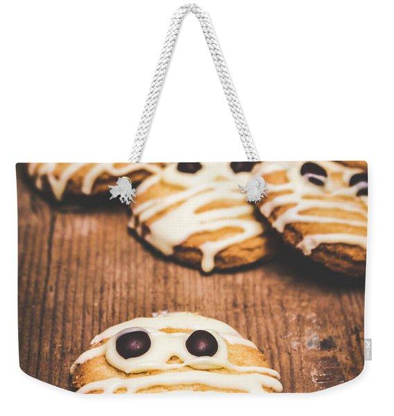 Scared Baking Mummy Biscuit Weekender Tote Bag