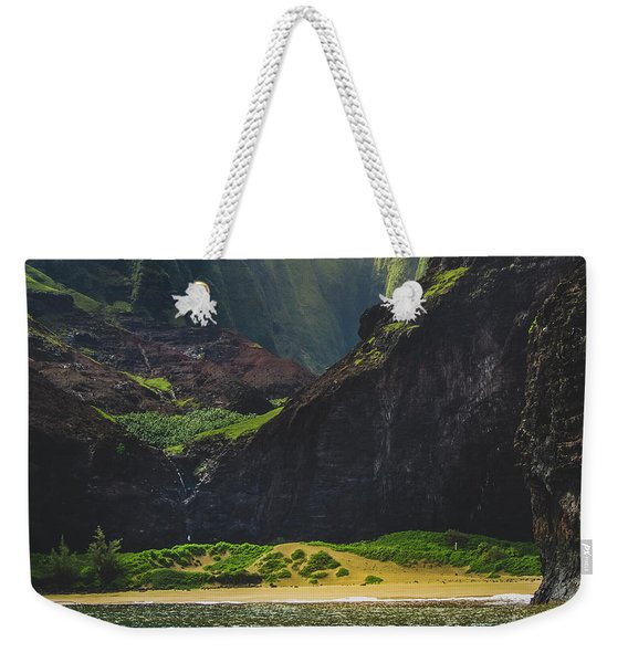 Weekender Tote Bag featuring the photograph Secluded Kalalau Beach by Andy Konieczny