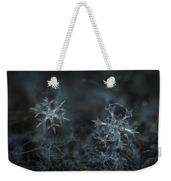 Snowflake Photo - When Winters Meets - 2 Weekender Tote Bag