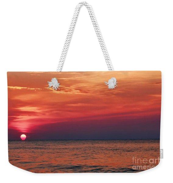 Sunrise Over The Horizon On Myrtle Beach Weekender Tote Bag