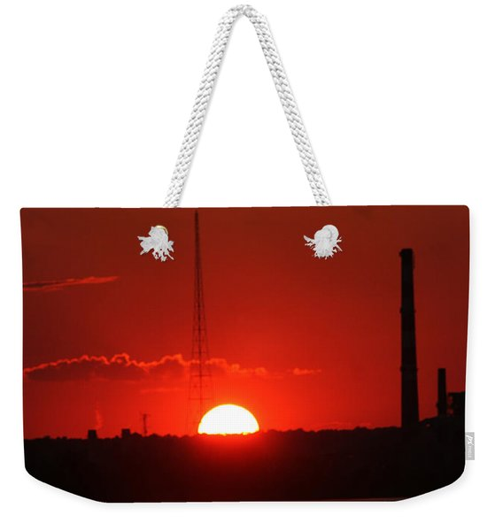 Weekender Tote Bag featuring the photograph Sunset Over Bridgeport by William Selander