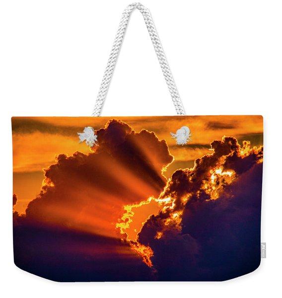 Weekender Tote Bag featuring the photograph Sweet Nebraska Crepuscular Rays 010 by NebraskaSC