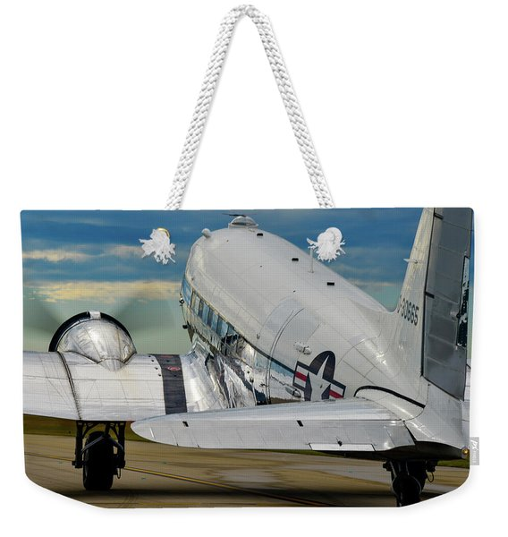 Taxiing To The Active Weekender Tote Bag
