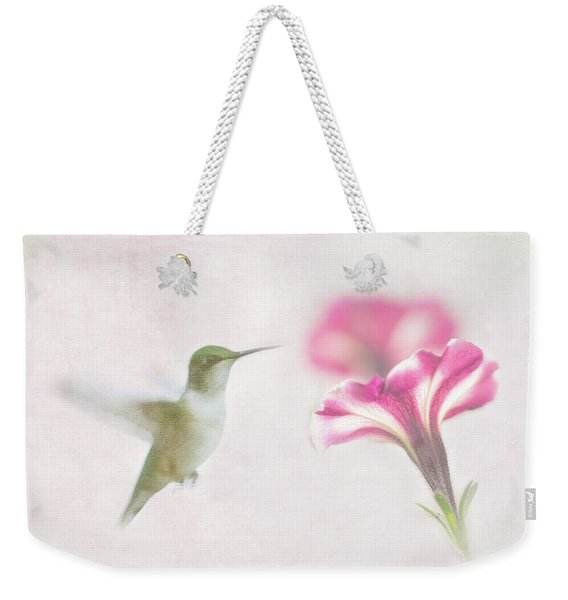 Textured Hummer Weekender Tote Bag