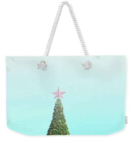 The Tallest Christmas Tee- Photograph By Linda Woods Weekender Tote Bag