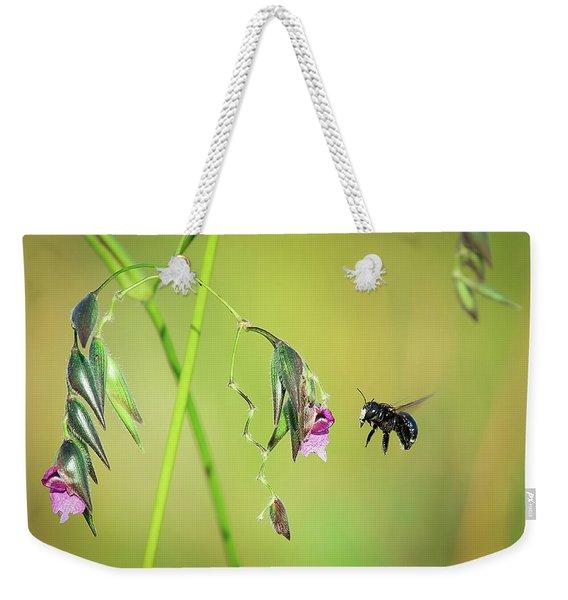 White-faced Bee Weekender Tote Bag