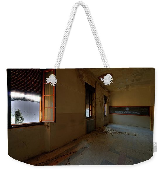 Winter Class Atmosphere - Atmosfera Scolastica Invernale Weekender Tote Bag