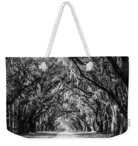 Wormsloe Plantation Oaks Bw Weekender Tote Bag