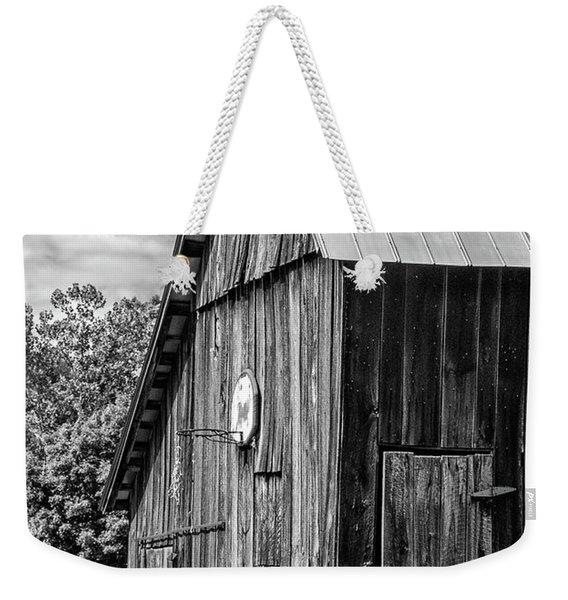 An American Barn Bw Weekender Tote Bag