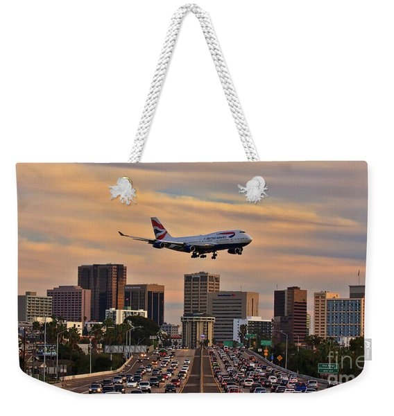 Weekender Tote Bag featuring the photograph Boeing 747 Landing In San Diego by Sam Antonio Photography