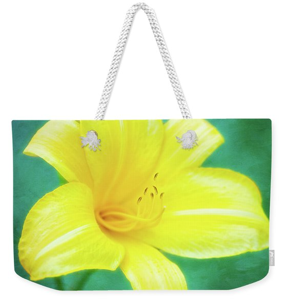 Buttered Popcorn Daylily In Her Glory Weekender Tote Bag