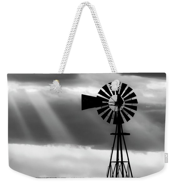 Bw Windmill And Crepuscular Rays -01 Weekender Tote Bag