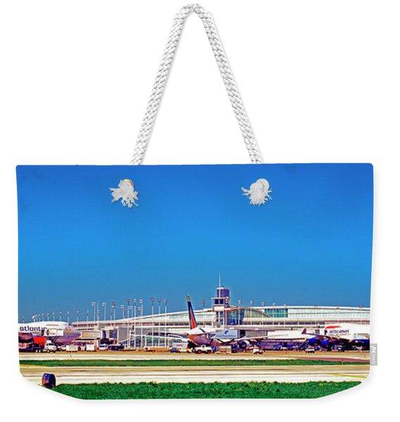 Chicago, International, Terminal Weekender Tote Bag
