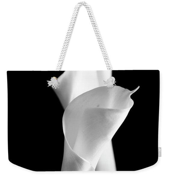 Classic Calla Lilies-bw Weekender Tote Bag