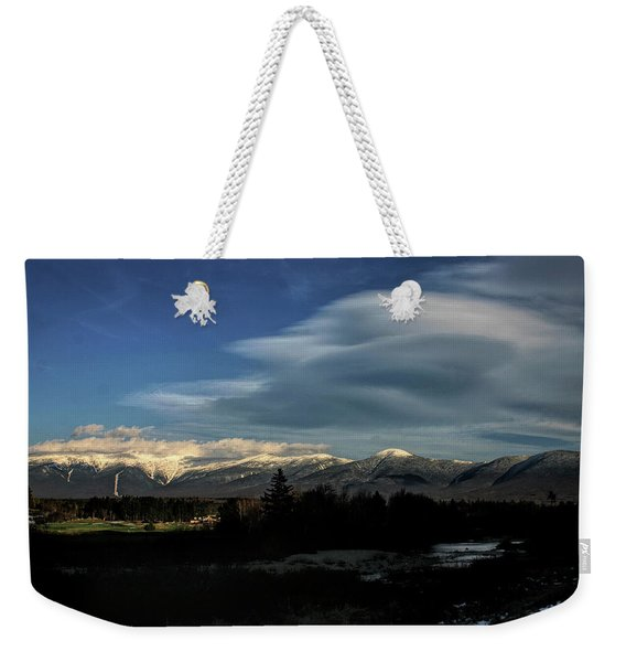 Weekender Tote Bag featuring the photograph Cloud Lens Over The Presidential Range by Wayne King