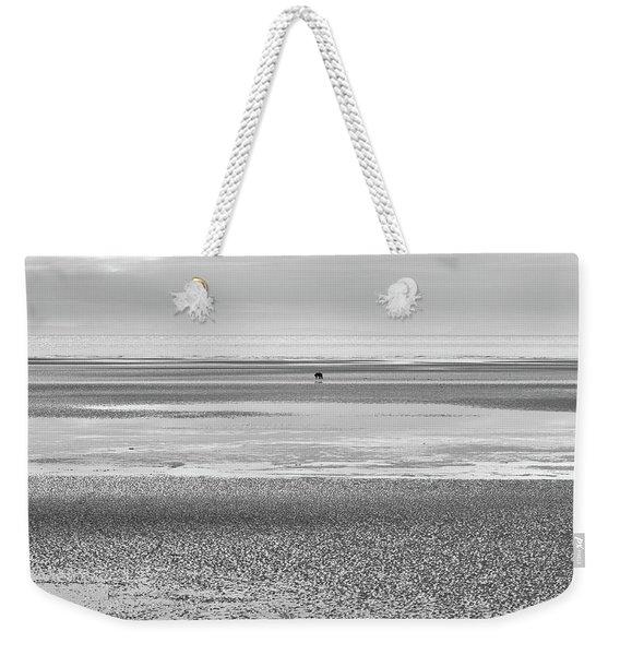 Coastal Brown Bear On  A Beach In Monochrome Weekender Tote Bag