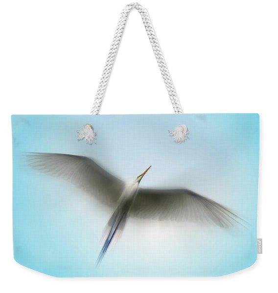 Egret In Motion Weekender Tote Bag