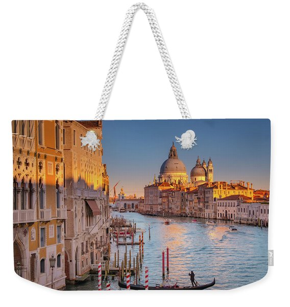 Weekender Tote Bag featuring the photograph Evening Light In Venice by Susan Leonard