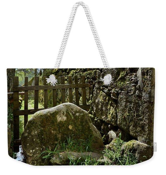 Hidden Details Of Bainte Weekender Tote Bag
