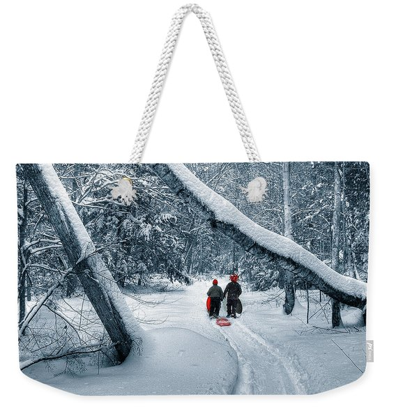 Weekender Tote Bag featuring the photograph Hiking Into The Gully by Wayne King