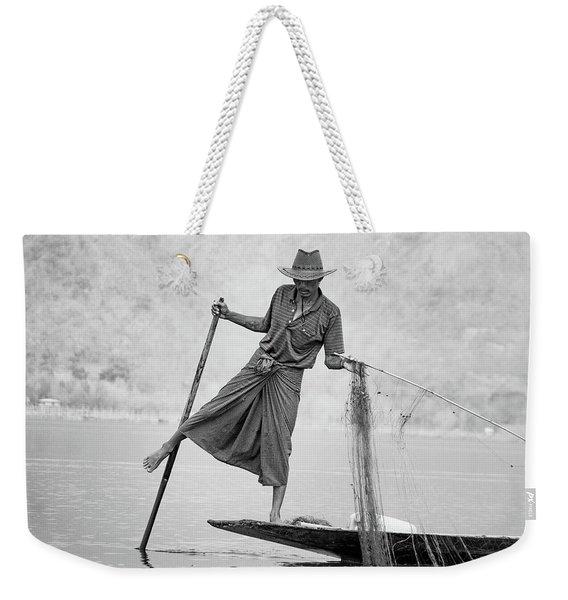 Inle Lake Fisherman Byw Weekender Tote Bag