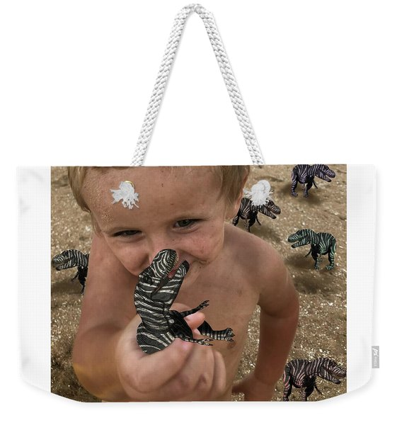 Lots Of These Snappy Critters Round Weekender Tote Bag
