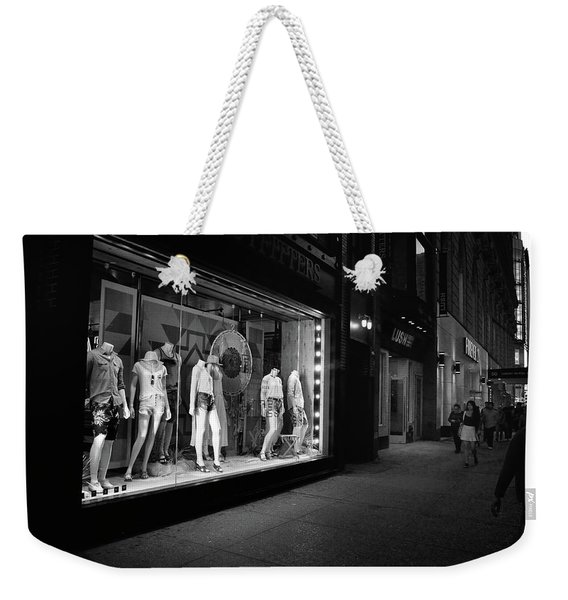 Weekender Tote Bag featuring the photograph New York, New York 12 by Ron Cline