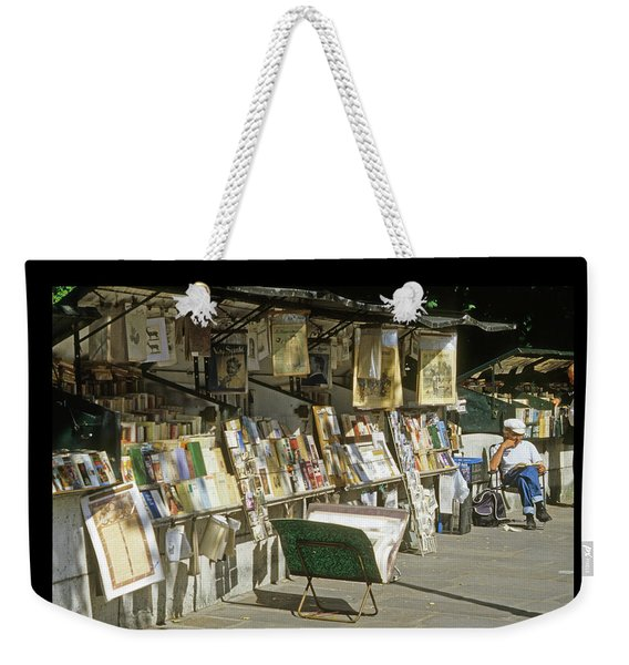 Weekender Tote Bag featuring the photograph Paris Bookseller by Frank DiMarco