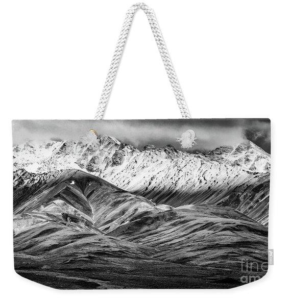 Polychrome Mountain, Denali National Park, Alaska, Bw Weekender Tote Bag
