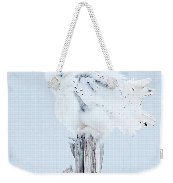 Snowy Owl Feather Shake Weekender Tote Bag