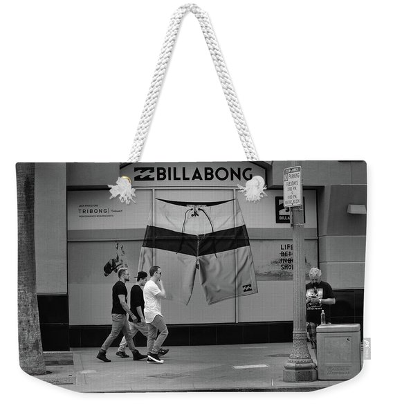 Weekender Tote Bag featuring the photograph Strolling Hollywood by Ron Cline