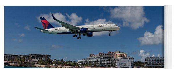 Delta Air Lines Landing At St Maarten Yoga Mat