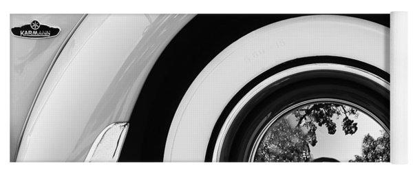 1962 Volkswagen Vw Beetle Cabriolet Wheel Emblem Yoga Mat