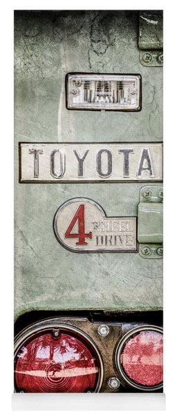 1969 Toyota Fj-40 Land Cruiser Taillight Emblem -0417ac Yoga Mat
