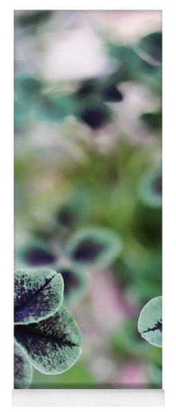 4 Leaf Clover Yoga Mat